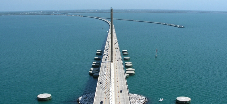 Picture of Florida Sunshine Skyway bridge with GPS antenna